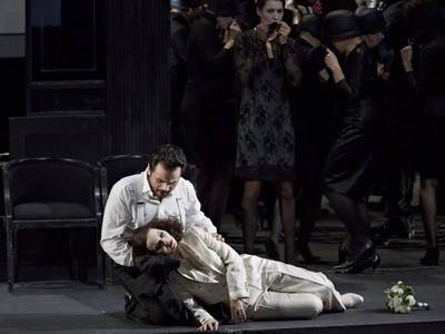"""LUIS CANSINO DEBUTES IN THE STAATSOPER STUTTGART WITH """"LA TRAVIATA"""""""